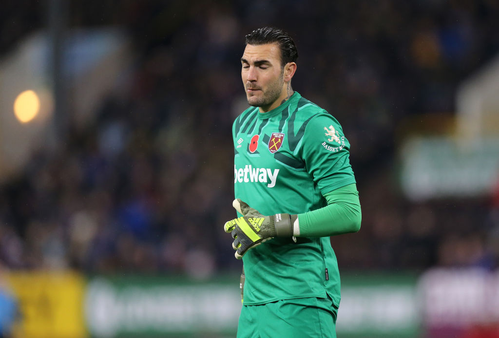 Report West Ham Goalkeeper Roberto Could Be Sold In January The Boot Room