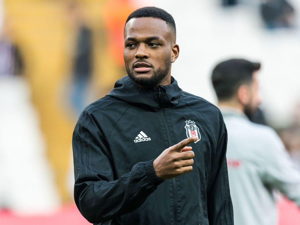 Report: Cyle Larin picks new club amid strong links with Leeds