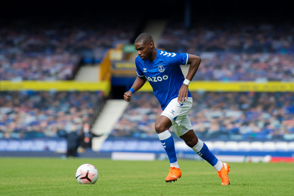 Everton may loan out to Niels Nkounkou to Standard Liege
