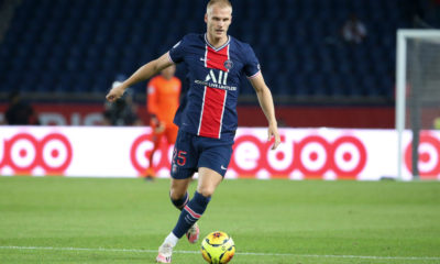 Paris Saint-Germain v FC Metz - Ligue 1