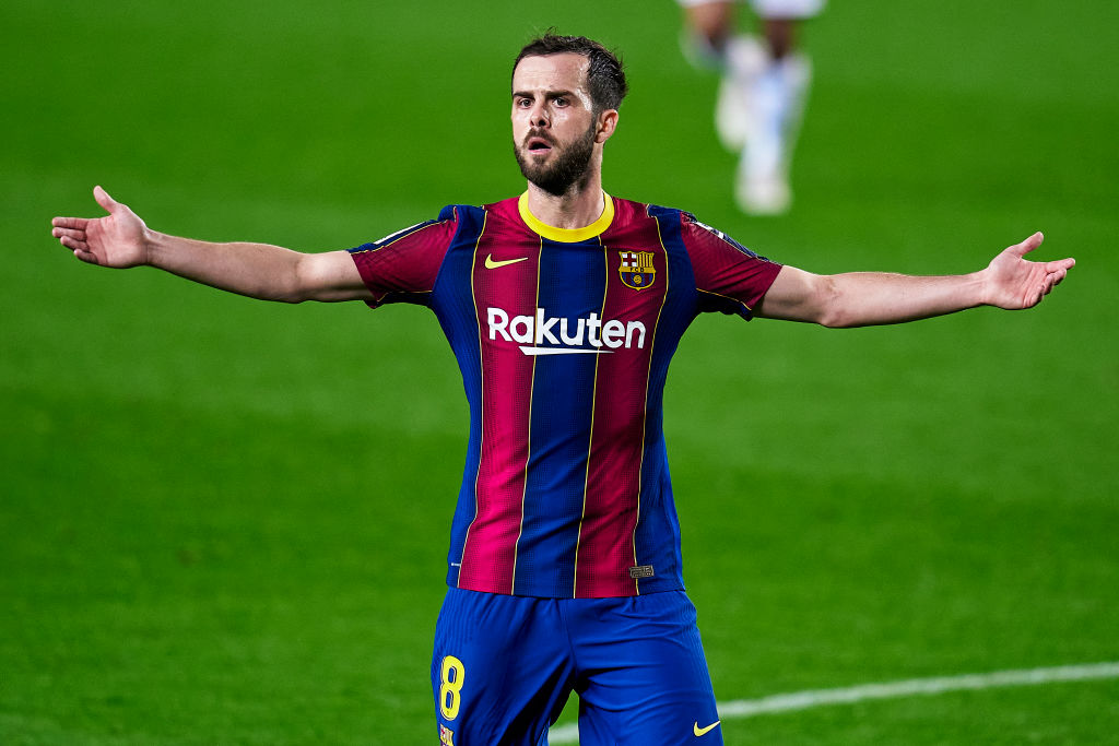 Spurs target Miralem Pjanic looks set to move to Italy