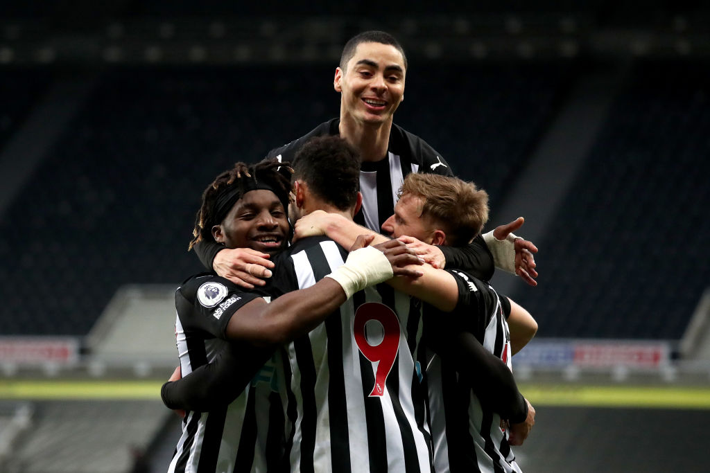 Almiron Stay Newcastle