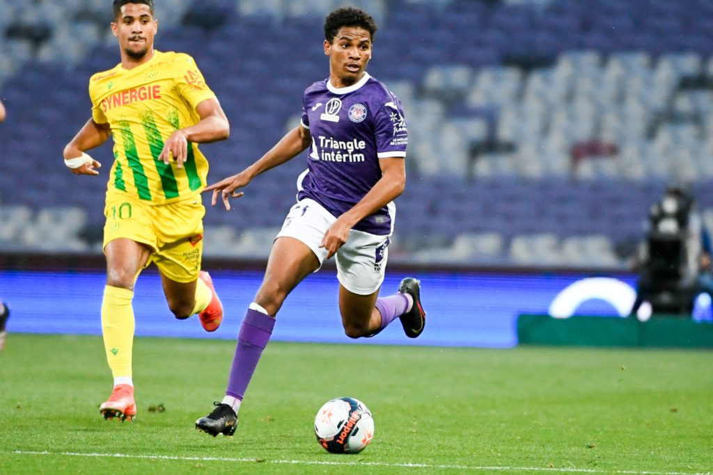 arsenal-transfer-gossip-milan-lille-target-toulouse-striker-amine-adli-runs-with-ball-during-ligue-1-promotion-play-off-nantes