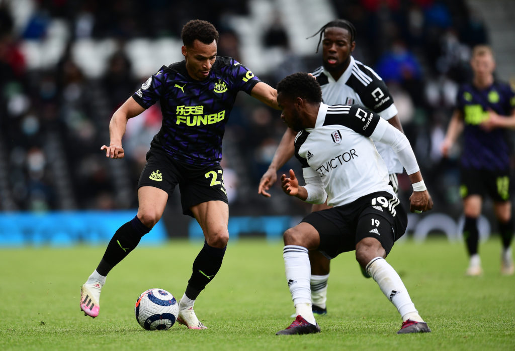 newcastle-united-transfer-gossip-jacob-murphy-contract-dribbles-with-ball-fulham-ademola-lookman-craven-cottage-premier-league