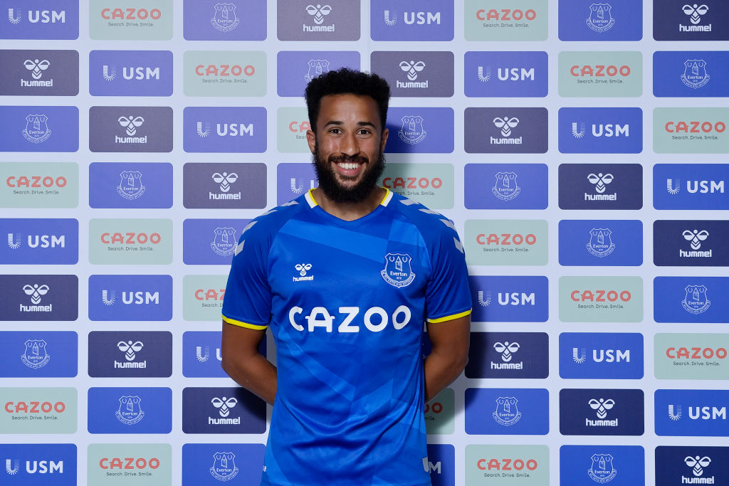 Everton Unveil New Signing Andros Townsend