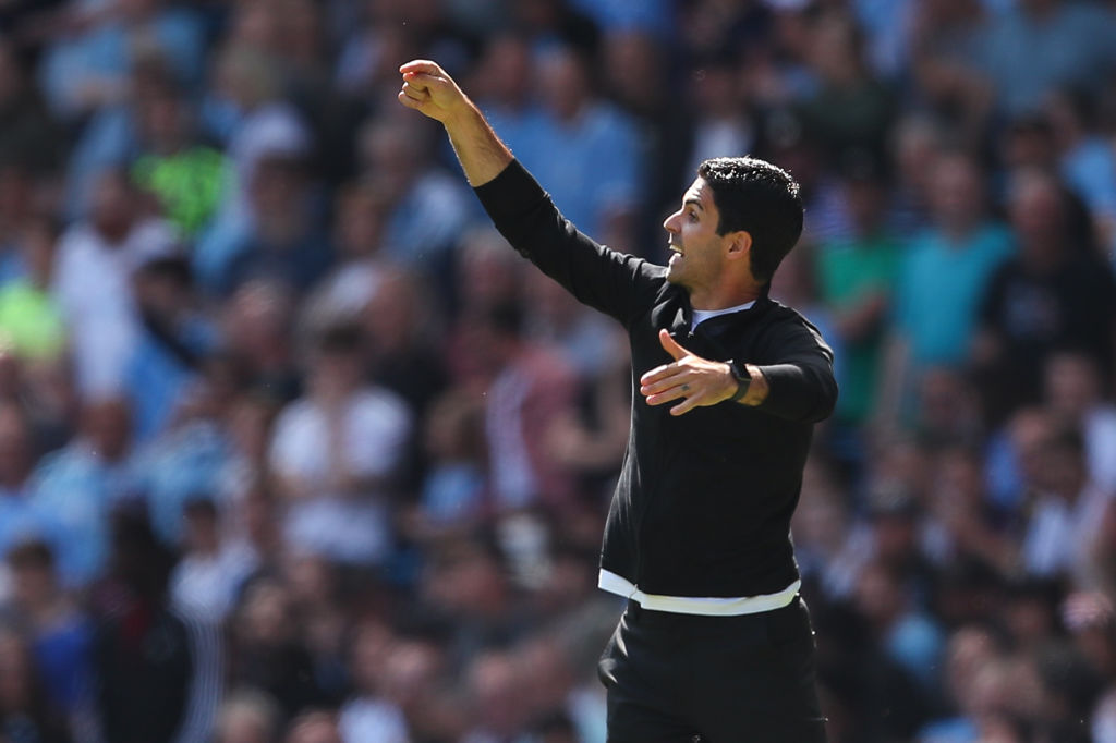 Mikel Arteta instructing his Arsenal players in their clash with Manchester City